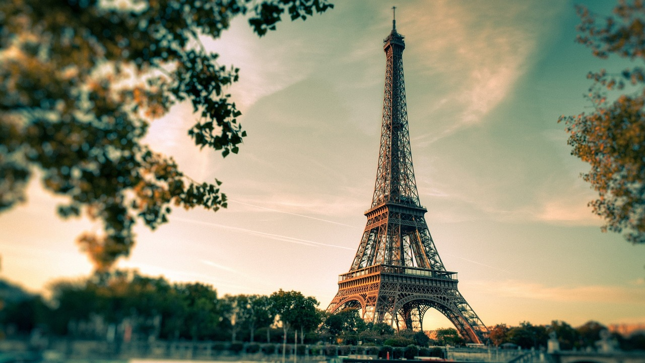 eiffel-tower-2810259_1280
